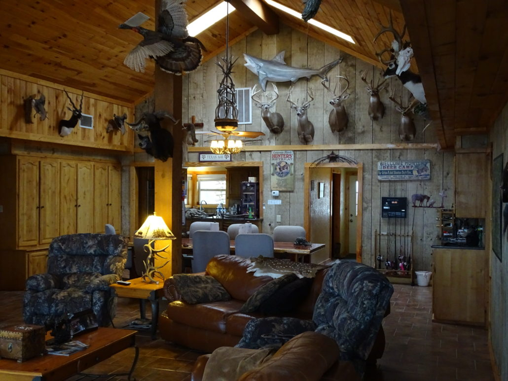 ... Hunting Lodge In Texas ...